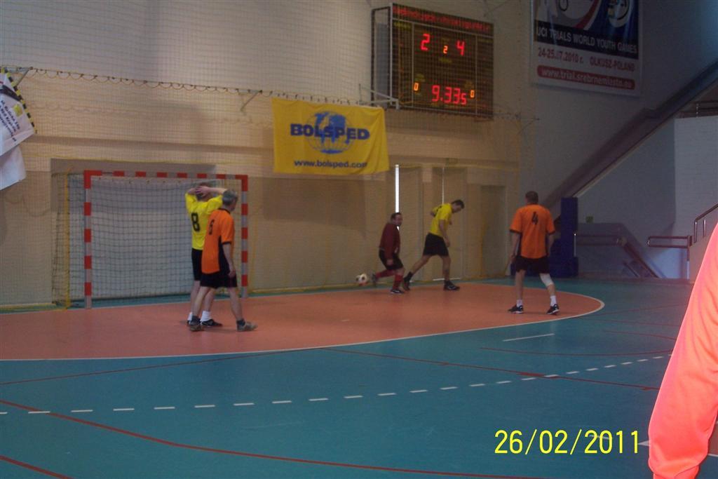 halowy-turniej-pilki-noznej-2011-014-large